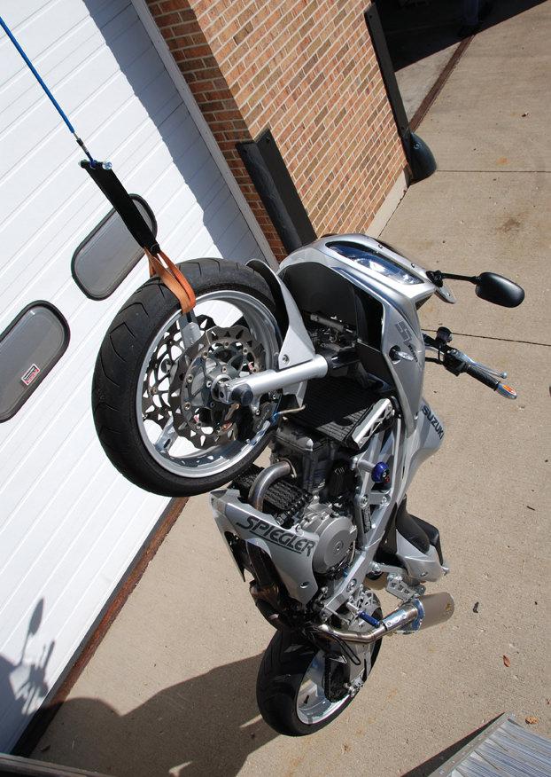 SV 1000 S brake line test